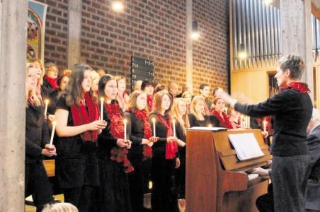 Junge Gesichter, junge Stimmen: Der neu gegründete gemischte Chor des Liederkranz Haßloch unter Leitung von Bianca Heintze ist der jüngste Spross in der Rüsselsheimer Chorfamilie.